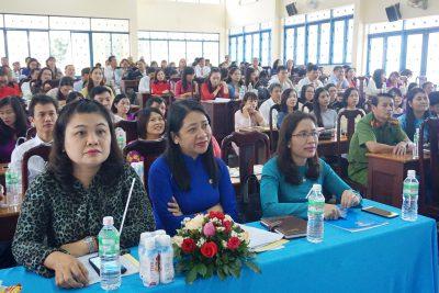 Tuyên dương gia đình nhà giáo, người lao động tiêu biểu ngành giáo dục